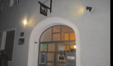 W1 bejárata