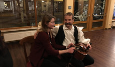Karácsonyi műsor hangszerismertetővel