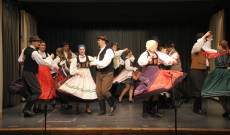 Csöbörcsök Táncegyüttes: Magyarpalatkai táncok - Fotó: Szabó Janka