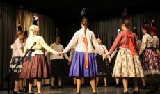 Csöbörcsök Táncegyüttes: Somogyi táncok - Fotó: Szabó Janka