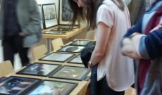 A kiállítás nagyon tetszett a közönségnek, többen vásároltak a fotóalbumból és a fányképek közül is