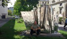 Berecz András a genfi Bartók Béla-szoborral