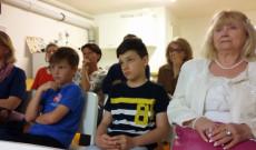 Fiatalok és idősek is eljöttek Kristóf előadására