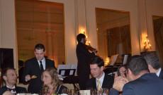 A vacsora hegedűkísérettel