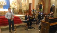 A White Christmas című dal is felcsendült a Péter Norbert Band előadásában