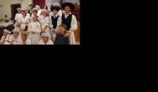A magyar iskola néptánc csoportja