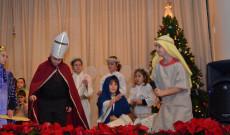 """Az iskolások a Bethlehemes család szeretetteljességét hangsúlyozó ünnepi előadással """"ajándékozták"""" meg a közönséget."""