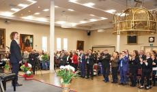 Teleki Gergely zongoraművész előadását állva tapsolja a torontói magyar közönség (fotó: Kralovanszky Balázs)
