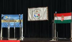 Székely, Zürichi Magyar Egyesület és magyar zászló az ünnepség háttereként