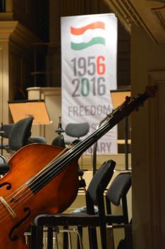 Emlékünnepség és hangverseny 1956 tiszteletére a zürichi Tonhalléban