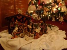 Kis bethlehemes a Duquesnei Magyar Református Egyhátközség karácsonyfája alatt