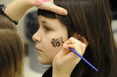 Készülnek az arcfestések