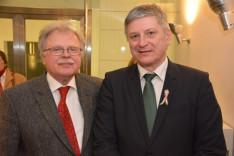 Hollós József, a Központi Szövetség elnöke, valamint Grezsa István miniszteri biztos