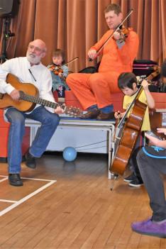 Gryllus Vilmos Maszkabál koncert és farsangi mulatság Birminghamben
