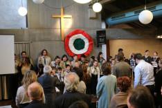 Himnusznak tisztelegve
