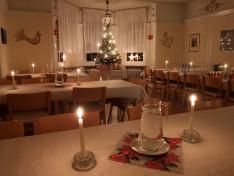 Karácsonyi díszben a Magyar Ház