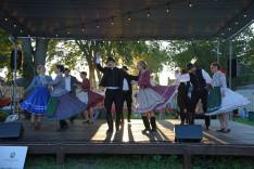 Szatmári táncok a Borozda t.e. előadásában