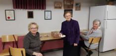 35 kis ajándék sütemény csomag a beteg magyar testvéreknek