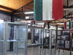 az egykori barakkban berendezett múzeum