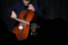 Kalmus Felicián crossover csellista koncertje Hamiltonban
