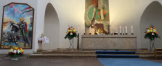 Oltár és Szent László festmény a St. Max templomban
