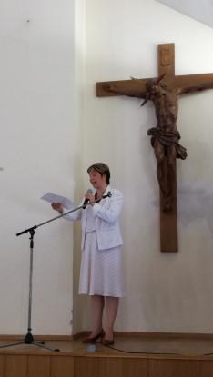 Spiller Krisztina közösségi diplomata, a kulturális programdélután fővédnöke nyitotta meg a délutáni rendezvényt