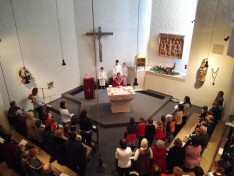 A vasárnapi szentmisére megtelt a templom
