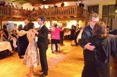 Az Erdingi Magyar Közösség angol keringője nyitotta meg a táncos mulatságot