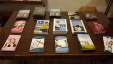 A Mission is Possible Kft. kiadványai, melyek szintén megvásárolhatók voltak a vetítések után