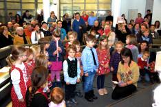 Gyermekek Szent Miklós püspökre várva