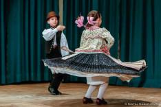 Dudás Lili és Kispál Domonkos, a Fölszállott a páva különdíjasai táncbemutatóval nyitották meg a gyermekfarsangot