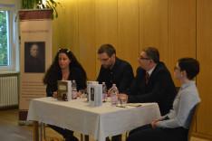 Könyvbemutató Münchenben. Előadók (balról jobbra): Bágya Rita, Szalai Viktor, Dr. Soós Viktor Attila és Dr. Taczman Andrea