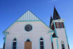 A békevári templom oldalnézetben
