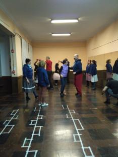 Előkészületek: táncpróba, Mákvirág tánccsoport