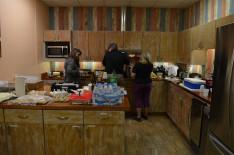 eközben a konyhában