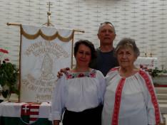 A spontán emlékezés résztvevői: Viski Enikő, Károly István, Szabó Erzsébet