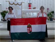 A Szent Erzsébet Nőegylet vezetője, Szabó Erzsébet és Viski Enikő, a nőegylet tagja