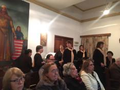 A Coral Hungária tagjai énekelnek az augusztus 20-i misén