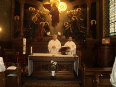 Vencser László igazgató és Varga János rektor a Pázmáneum kápolnájában 2017. május 27-én