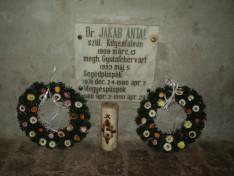 Dr. Jakab Antal püspök nyughelye a gyulafehérvári székesegyház kriptájában (Fotó: Varga Gabriella)