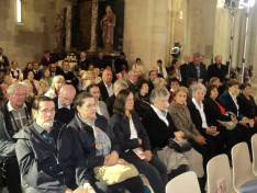 Ausztriai magyar zarándokok a gyulafehérvári székesegyházban