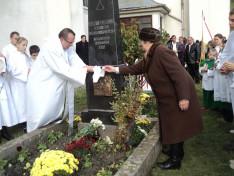 A templomépítő Dani Gergely édesanyja emlékére állított dombormű leleplezése