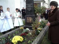 A templomépítő Dani Gergely édesanyja emlékére állított, leleplezett dombormű