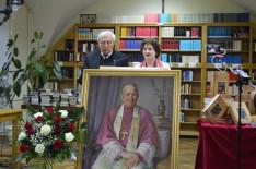 A kétkötetes kiadvány szerkesztői, Vencser László és Varga Gabriella