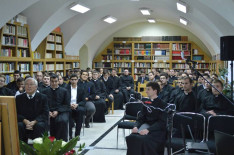 A bemutatón a Hittudományi Főiskola csaknem minden hallgatója jelen volt