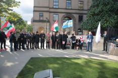 Eddie Newman, Manchester alpolgármestere köszönti az egybegyűlteket