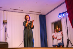 A rendezvény főszervezője, Münnich-Ákontz Ildikó kedves szavaival megnyitotta a műsort