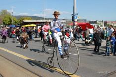 Néhány régi kerékpár is helyett kapott a felvonuláson