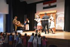 Moldvai táncok a Bogár István (Szent Gallen) néptánccsoport bemutatója