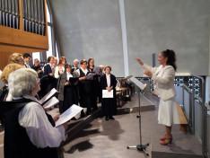 A Golarits kórus énekel